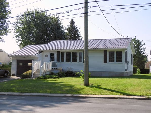 4 bed 2 bath Single Family at 15 Tom Miller Rd Plattsburgh, NY, 12901 is for sale at 152k - 1 of 16