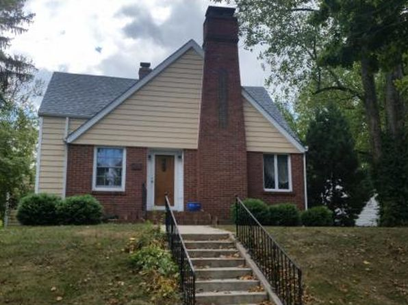 5 bed 2 bath Single Family at 414 E Washington St Paris, IL, 61944 is for sale at 110k - 1 of 4