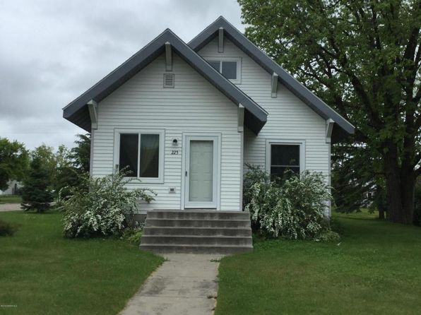 4 bed 3 bath Single Family at 225 Oak St SE Clearbrook, MN, null is for sale at 73k - 1 of 27