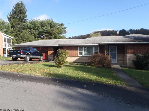 3 bed 2 bath Single Family at 1094 Lake Ave Fairmont, WV, 26554 is for sale at 160k - 1 of 16