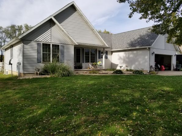 4 bed 3 bath Single Family at 326 S Commercial Ave Amboy, IL, 61310 is for sale at 183k - 1 of 16