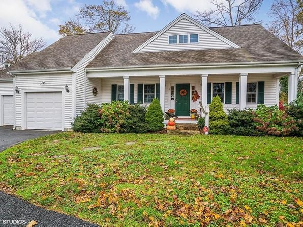 3 bed 3 bath Condo at 2 Rosemary Ln Wareham, MA, 02571 is for sale at 329k - 1 of 16