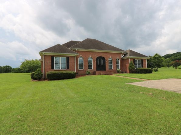 3 bed 3 bath Single Family at 1195 Sequoya Trl Columbia, TN, 38401 is for sale at 400k - 1 of 29
