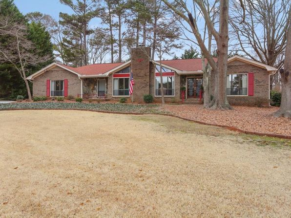 4 bed 3 bath Single Family at 418 William Ivey Rd SW Lilburn, GA, 30047 is for sale at 270k - 1 of 30