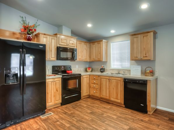 3 bed 2 bath Mobile / Manufactured at 633 E Archwood Dr Eagle Point, OR, 97524 is for sale at 90k - 1 of 24