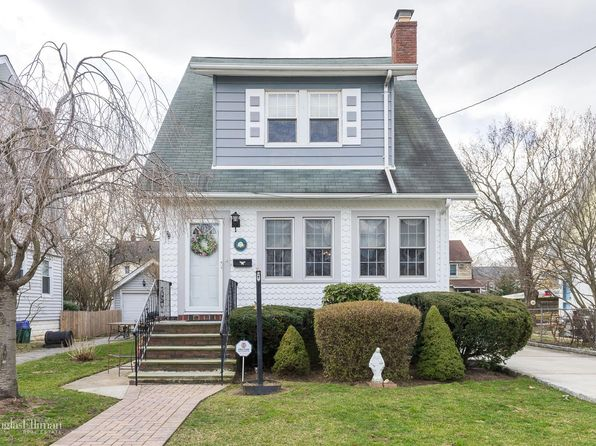 3 bed 2 bath Single Family at Undisclosed Address Lynbrook, NY, 11563 is for sale at 530k - 1 of 15