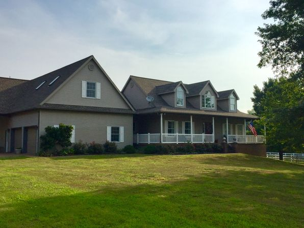 3 bed 3 bath Single Family at 6101 Joes Dr Evansville, IN, 47720 is for sale at 695k - 1 of 22
