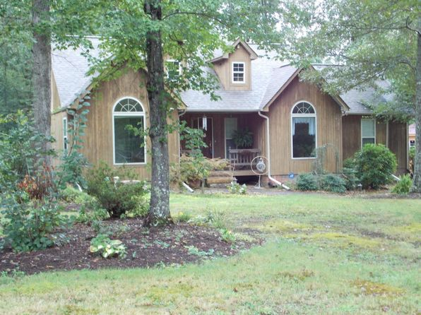 3 bed 2 bath Single Family at 2495 Highland Ln Crossville, TN, 38555 is for sale at 199k - 1 of 32