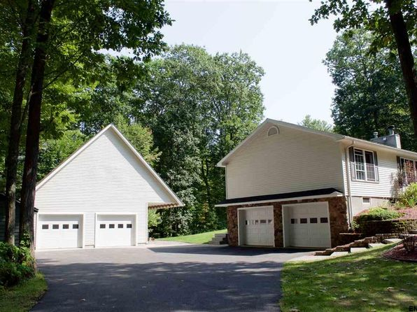 3 bed 2 bath Single Family at 107 Woody La Mayfield, NY, 12078 is for sale at 310k - 1 of 24