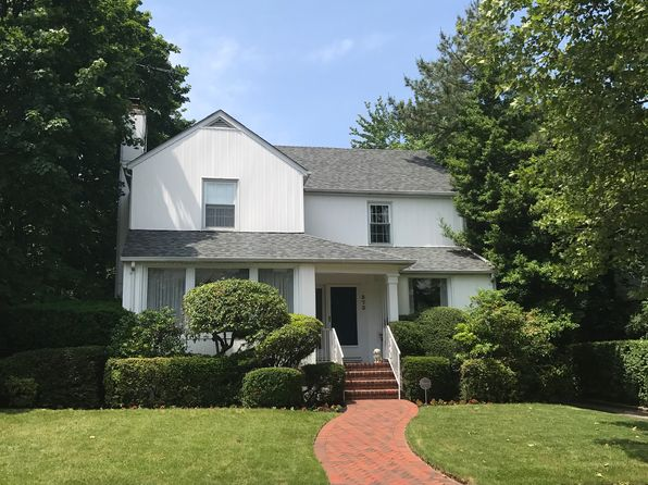 5 bed 3 bath Single Family at 373 Northfield Rd Woodmere, NY, 11598 is for sale at 865k - 1 of 24
