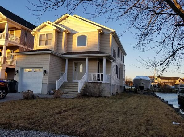 3 bed 3 bath Single Family at 25 Captains Dr Brick, NJ, 08723 is for sale at 485k - 1 of 44