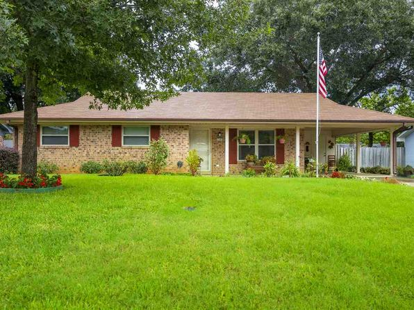 3 bed 1 bath Single Family at 706 Melinda Ln Longview, TX, 75604 is for sale at 100k - 1 of 19
