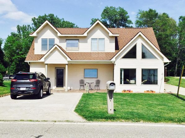 3 bed 2 bath Single Family at 703 Lake Dr Coldwater, MI, 49036 is for sale at 379k - 1 of 24