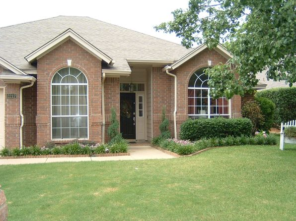 4 bed 2 bath Single Family at 2217 S Branch Dr Arlington, TX, 76001 is for sale at 251k - 1 of 14