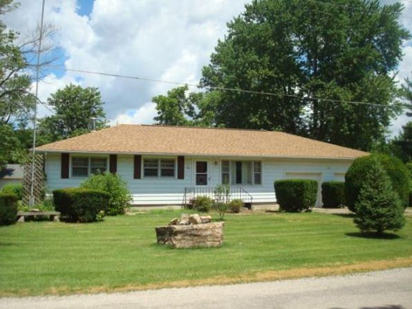 3 bed 1 bath Single Family at 1108 Hickory St Marshall, IL, 62441 is for sale at 125k - 1 of 20