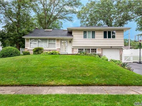 3 bed 3 bath Single Family at 33 Farragut Rd Old Bethpage, NY, 11804 is for sale at 700k - 1 of 20