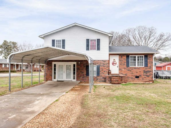 4 bed 2 bath Single Family at 207 Brookside St Sweetwater, TN, 37874 is for sale at 140k - 1 of 21