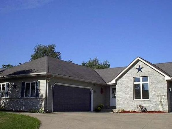 3 bed 3 bath Single Family at 421 Brennan Dr Walworth, WI, 53184 is for sale at 265k - 1 of 9