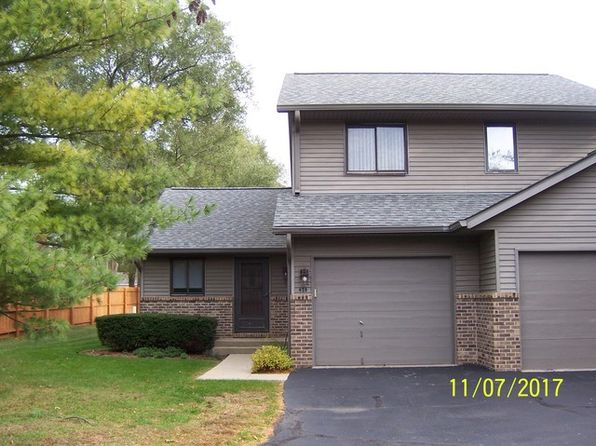 2 bed 2 bath Townhouse at 428 Berkshire Dr Crystal Lake, IL, 60014 is for sale at 120k - 1 of 5