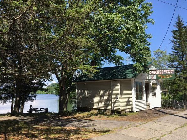 2 bed 2 bath Single Family at 13-23 Opechee St Laconia, NH, 03246 is for sale at 259k - 1 of 48