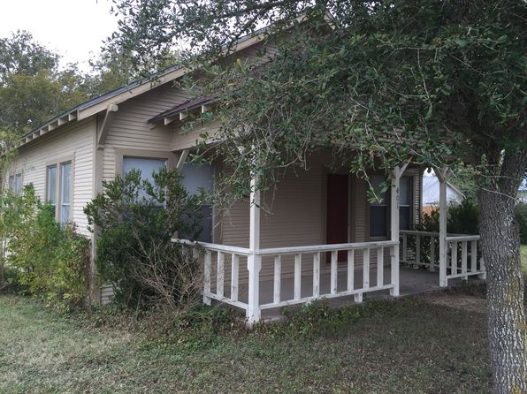 2 bed 1 bath Single Family at 401 N Wilma St Falls City, TX, 78113 is for sale at 105k - 1 of 14
