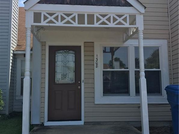 2 bed 1 bath Townhouse at 1308 Covington Ct Virginia Beach, VA, 23453 is for sale at 120k - 1 of 25
