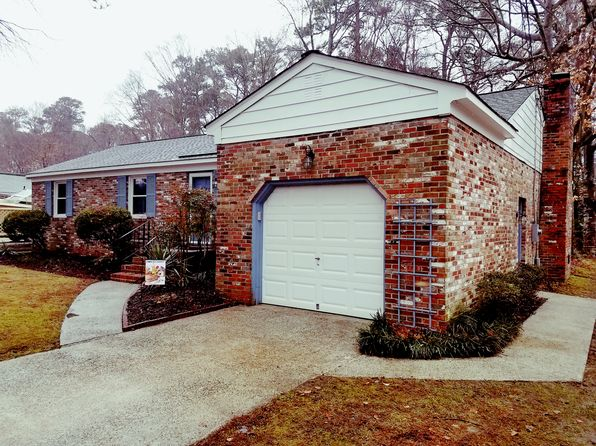 3 bed 2 bath Single Family at 308 Brook Ln Yorktown, VA, 23692 is for sale at 250k - 1 of 18
