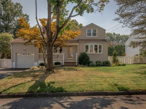 4 bed 3 bath Single Family at 48 Nomahegan Ct Cranford, NJ, 07016 is for sale at 540k - 1 of 16