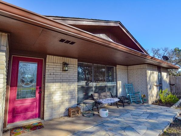 3 bed 2 bath Single Family at 125 Wild Timber Dr Kerrville, TX, 78028 is for sale at 254k - 1 of 31