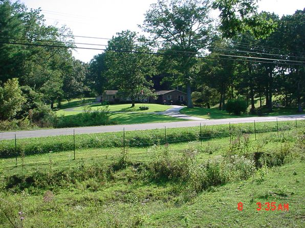 3 bed 3 bath Single Family at 27668 STATE ROUTE 30 PIKEVILLE, TN, 37367 is for sale at 198k - 1 of 53