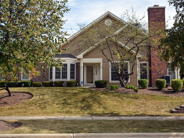 2 bed 2 bath Townhouse at 291 Stonefield Ct Schaumburg, IL, 60173 is for sale at 295k - 1 of 12