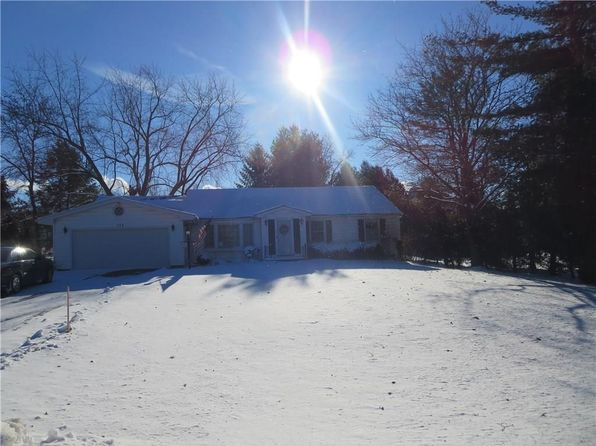 3 bed 2 bath Single Family at 729 Stone Rd Pittsford, NY, 14534 is for sale at 190k - 1 of 25