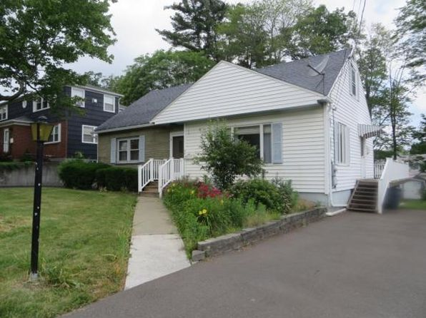 4 bed 2 bath Single Family at 3015 Country Club Rd Endicott, NY, 13760 is for sale at 120k - 1 of 19