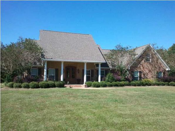 4 bed 3 bath Single Family at 369 Golf Course Rd Mendenhall, MS, 39114 is for sale at 330k - 1 of 31