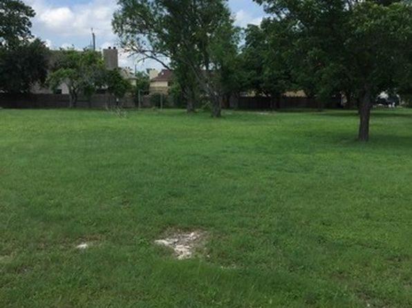 null bed null bath Vacant Land at 8215 Eckhert Rd San Antonio, TX, 78240 is for sale at 390k - 1 of 5