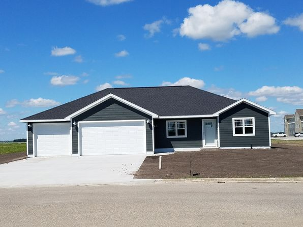 3 bed 2 bath Single Family at 1131 Main Ave S Roseau, MN, 56751 is for sale at 212k - 1 of 28