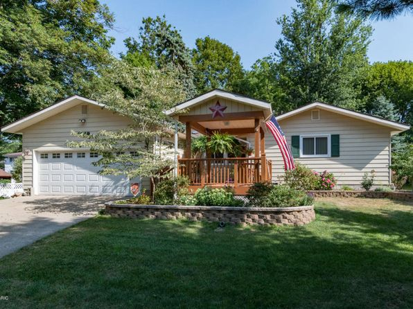 5 bed 3 bath Single Family at 1019 Superior St South Haven, MI, 49090 is for sale at 225k - 1 of 30