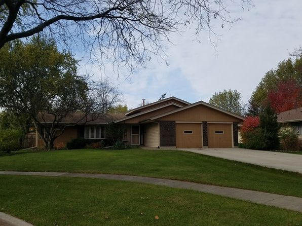 3 bed 3 bath Single Family at 208 Lynnfield Ln Schaumburg, IL, 60193 is for sale at 282k - 1 of 23