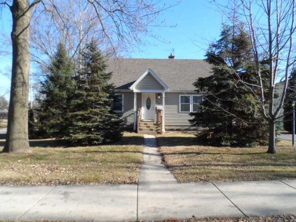 3 bed 2 bath Single Family at 403 S Addison Ave Villa Park, IL, 60181 is for sale at 250k - 1 of 33