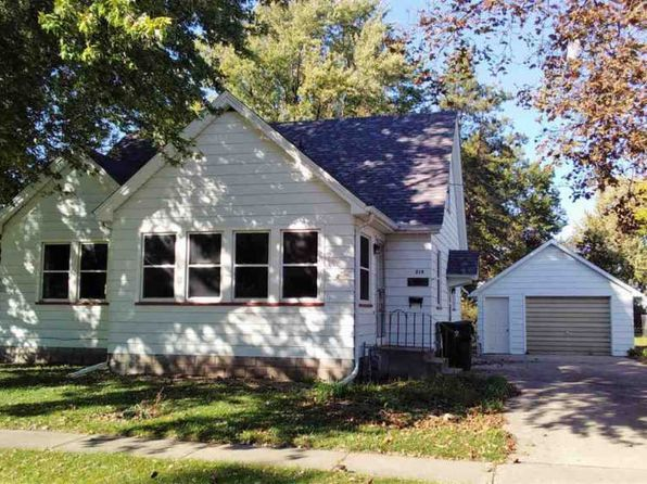 2 bed 1 bath Single Family at 219 E South St Geneseo, IL, 61254 is for sale at 89k - 1 of 16