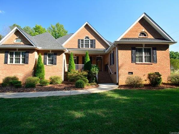 4 bed 4 bath Single Family at 118 Aragon Ct Mooresville, NC, 28115 is for sale at 425k - 1 of 24