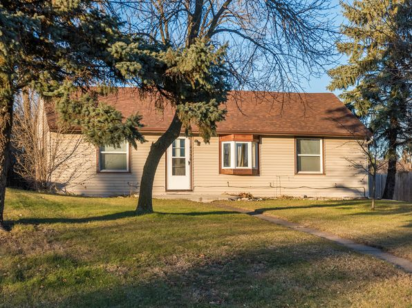 2 bed 1 bath Single Family at 4390 Colorado St SE Prior Lake, MN, 55372 is for sale at 185k - 1 of 8