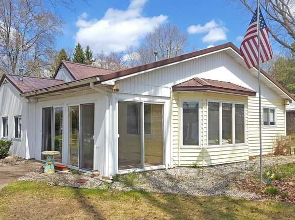 2 bed 1 bath Single Family at 754 W Mohawk Trl White Cloud, MI, 49349 is for sale at 189k - 1 of 33