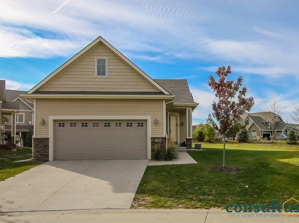 2 bed 3 bath Townhouse at 645 65th Pl West Des Moines, IA, 50266 is for sale at 290k - 1 of 24
