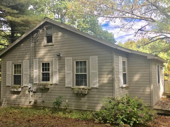 3 bed 2 bath Single Family at 9 WOODLAND LN SPENCER, MA, 01562 is for sale at 235k - 1 of 20