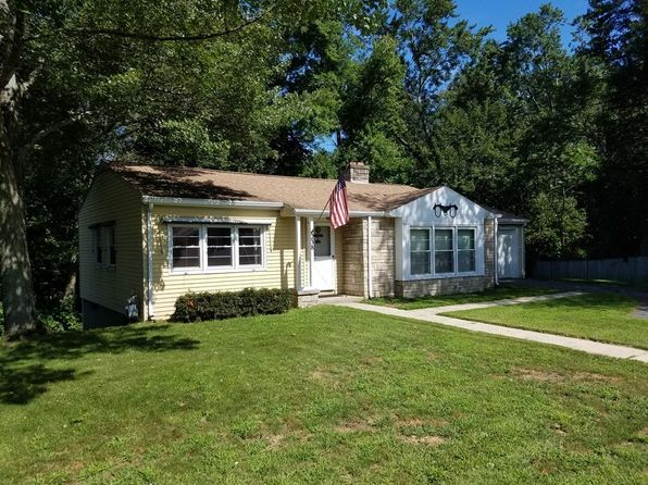 2 bed 1 bath Single Family at 238 Cooper St Agawam, MA, 01001 is for sale at 168k - 1 of 15