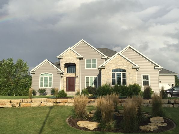 4 bed 5 bath Single Family at 814 Canterbury Dr Burlington, IA, 52601 is for sale at 580k - 1 of 24