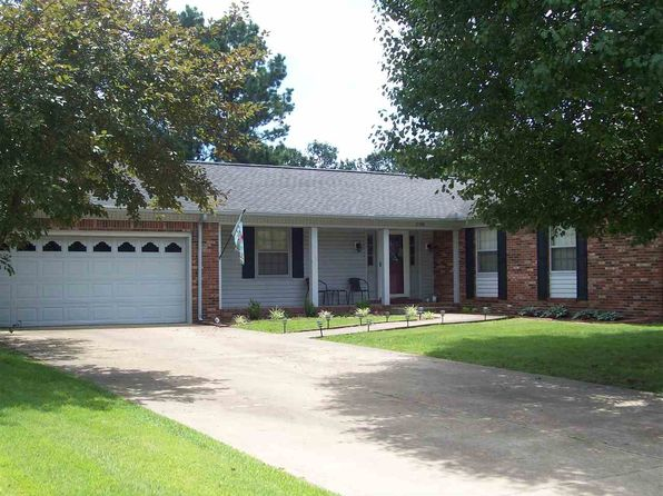 3 bed 2 bath Single Family at 108 Golf Cart Dr Mayfield, KY, 42066 is for sale at 153k - 1 of 51