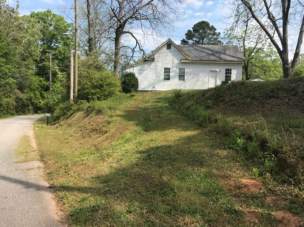 2 bed 1 bath Single Family at 70 Robinson St Newnan, GA, 30263 is for sale at 28k - 1 of 9