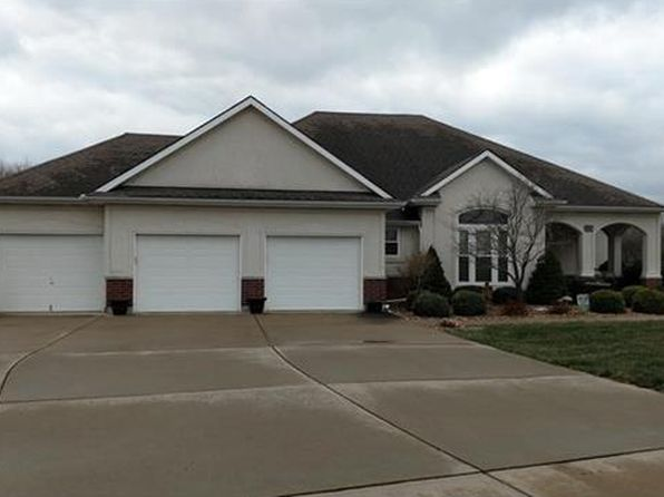 4 bed 4 bath Single Family at 1309 SW Foxtail Dr Grain Valley, MO, 64029 is for sale at 375k - 1 of 24
